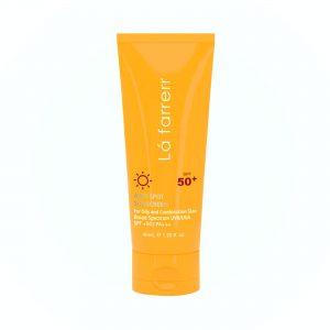 ضد آفتاب بی رنگ spf 50 لافارر مخصوص پوست چرب